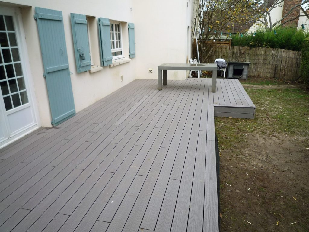 Terrasse De 40m2 En Bois Composite A Villepreux Cedar Construction