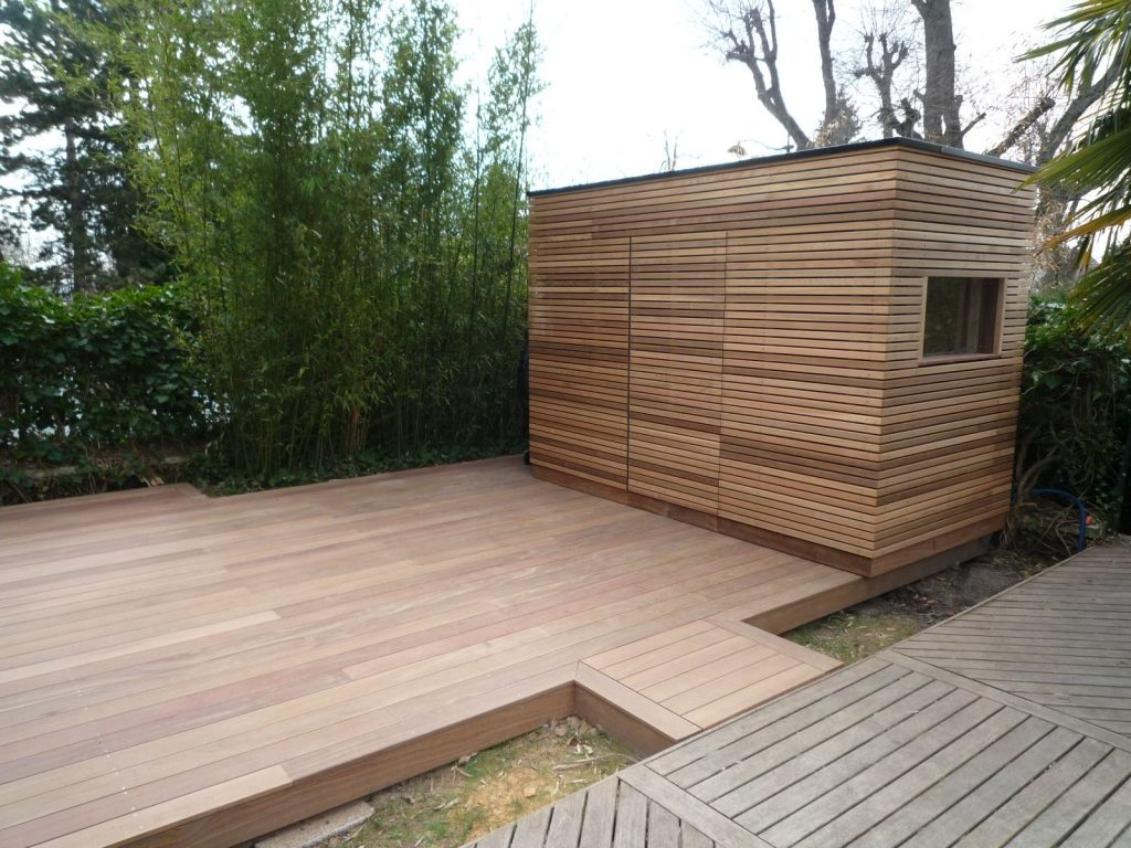terrasse en cumaru avec local technique piscine - cedar construction - Construire Un Local Technique Pour Piscine